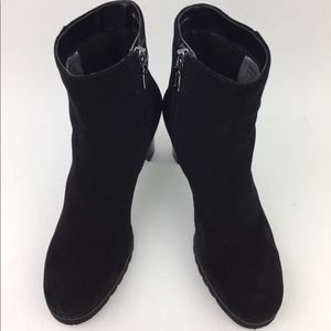 Blondo Shoes - BLONDO Rapha Waterproof Bootie sz 7.5M